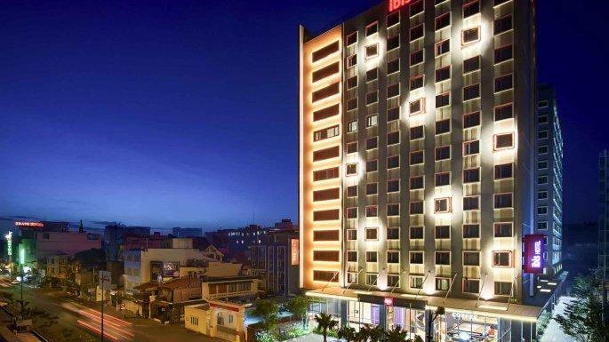 IBIS 5* HOTEL